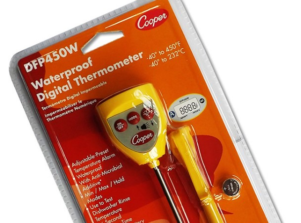 Designed for fast-paced catering environments, this handy digital food thermometer has an adjustable...