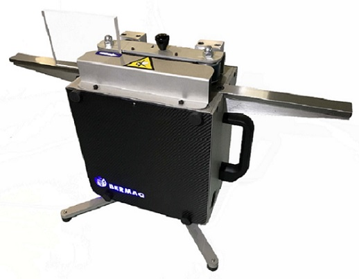 Maquina portátil de sobremesa, con aspiración de virutas incluida, para el pulido de piezas de acríl...