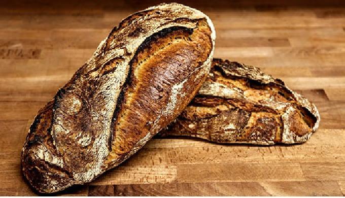 Le pain signature de notre boulangerie. Elaboré à base de froment Type 65 et de farine de maïs torré...