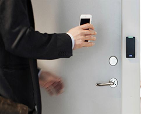 Le contrôle d'accès désigne les différentes solutions techniques qui permettent de sécuriser et gére...
