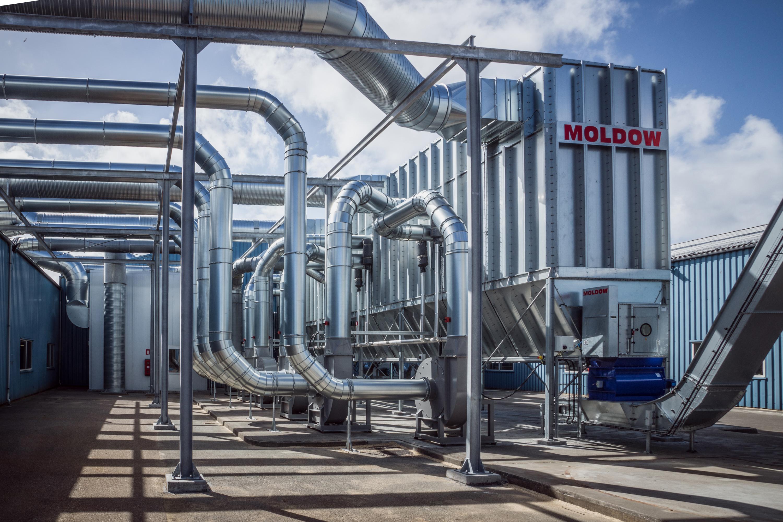 Moldows spånsugningsanlæg leveres som både over- og undertryksfiltre med enten kædetransportør, sneg...