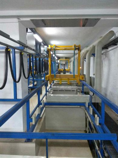 Alkalické zinkování dílů, zinkování kovů