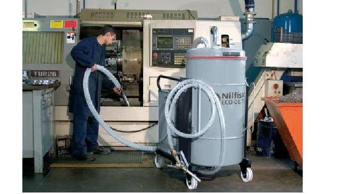 L'utilisation de la série Nilfisk Oil ne se limite pas seulement à l'entretien des machines-outils, ...