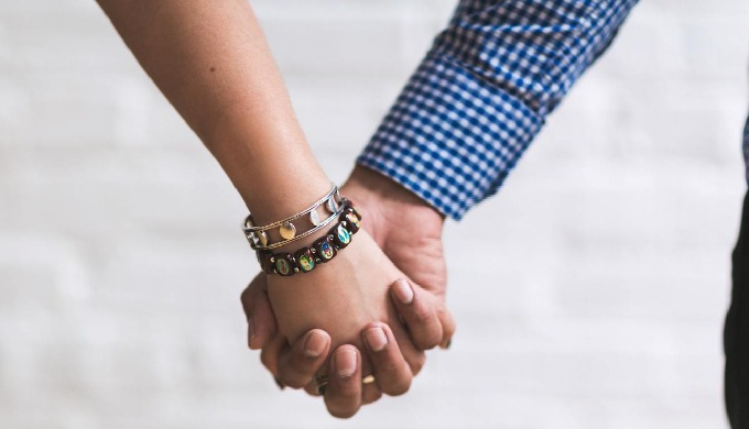 andwemet is an Indian matchmaking service for single urban Indians living in India and from around t...