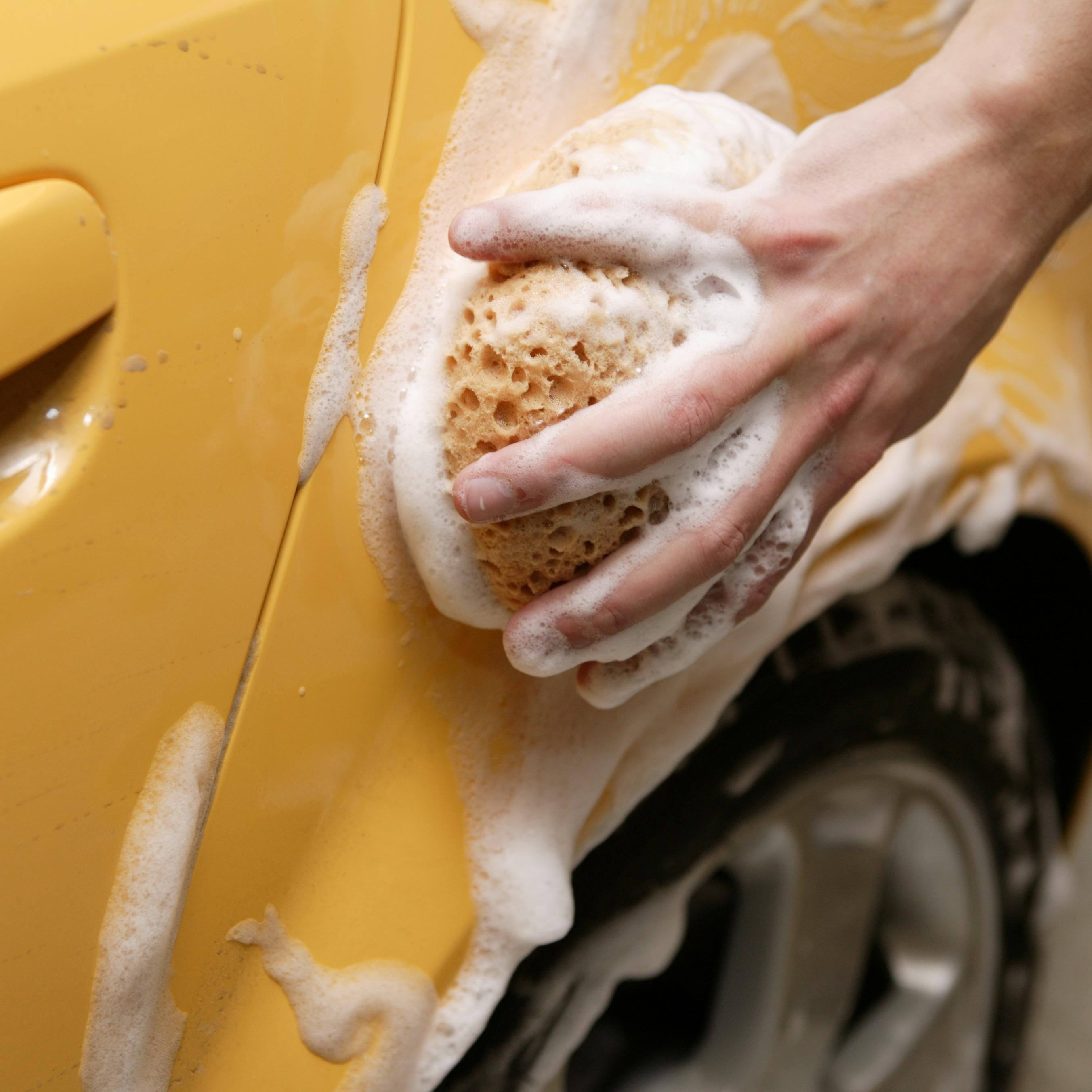 Reinigungsmittel für Fahrzeuge und Werkstatt