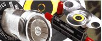 Söker du efter koaxkomponenter, vi kan erbjuda bl.a. effektdelare, koaxialkontakter, halvledaförstär...