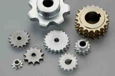 Comme accessoire de chaîne, nous disposons également dans notre gamme des roues de chaînes et des gu...