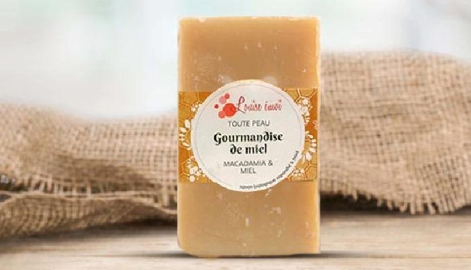 TOUTE PEAU Hydratation* & douceur pour tous avec ce succulent savon au miel et à l'huile de macadami...