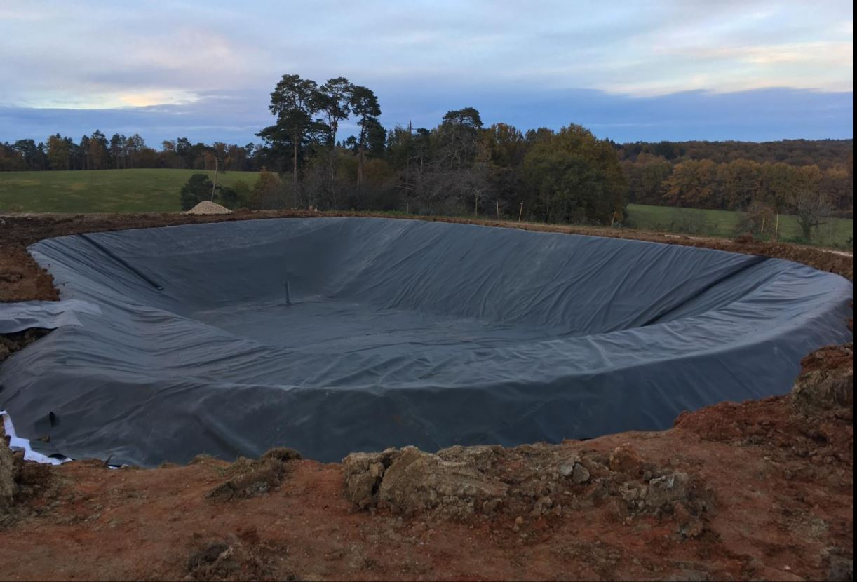 GEO et FILTRATION, spécialiste dans les travaux d'étanchéité des sols, vous présente un service de p...