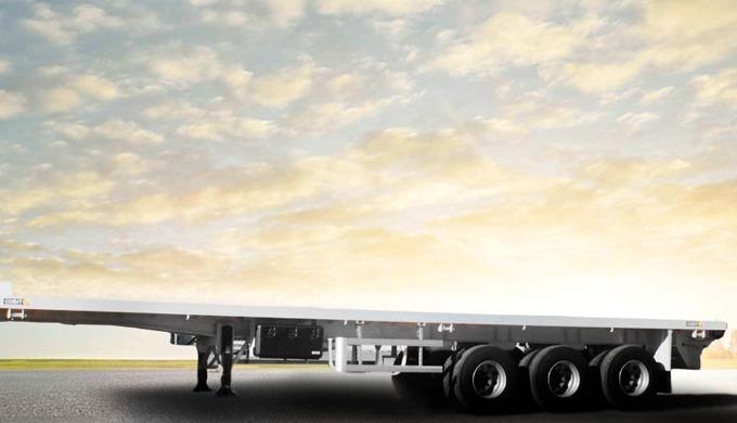 La semi-remorque plateau à 3 essieux COMET est destinée au transport d'une large gamme de marchandis...