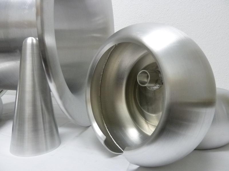 Abschirmungen für die Hochspannungstechnik. Rohrringe (Toroide) bis Durchmesser 3100 mm. Schweissnäh...