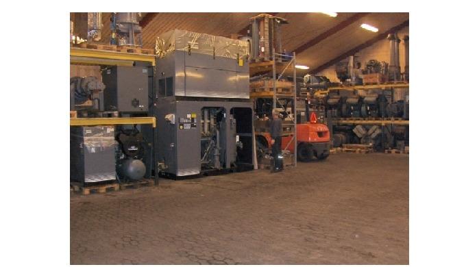 FH Trykluft,  Håndtering af store kompressorer