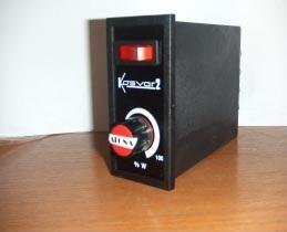 VARIADORES DE TENSION- KOSVAR-2000 ( 2KW.) - Regulador de tensión para carga resistiva. - Alimentaci...