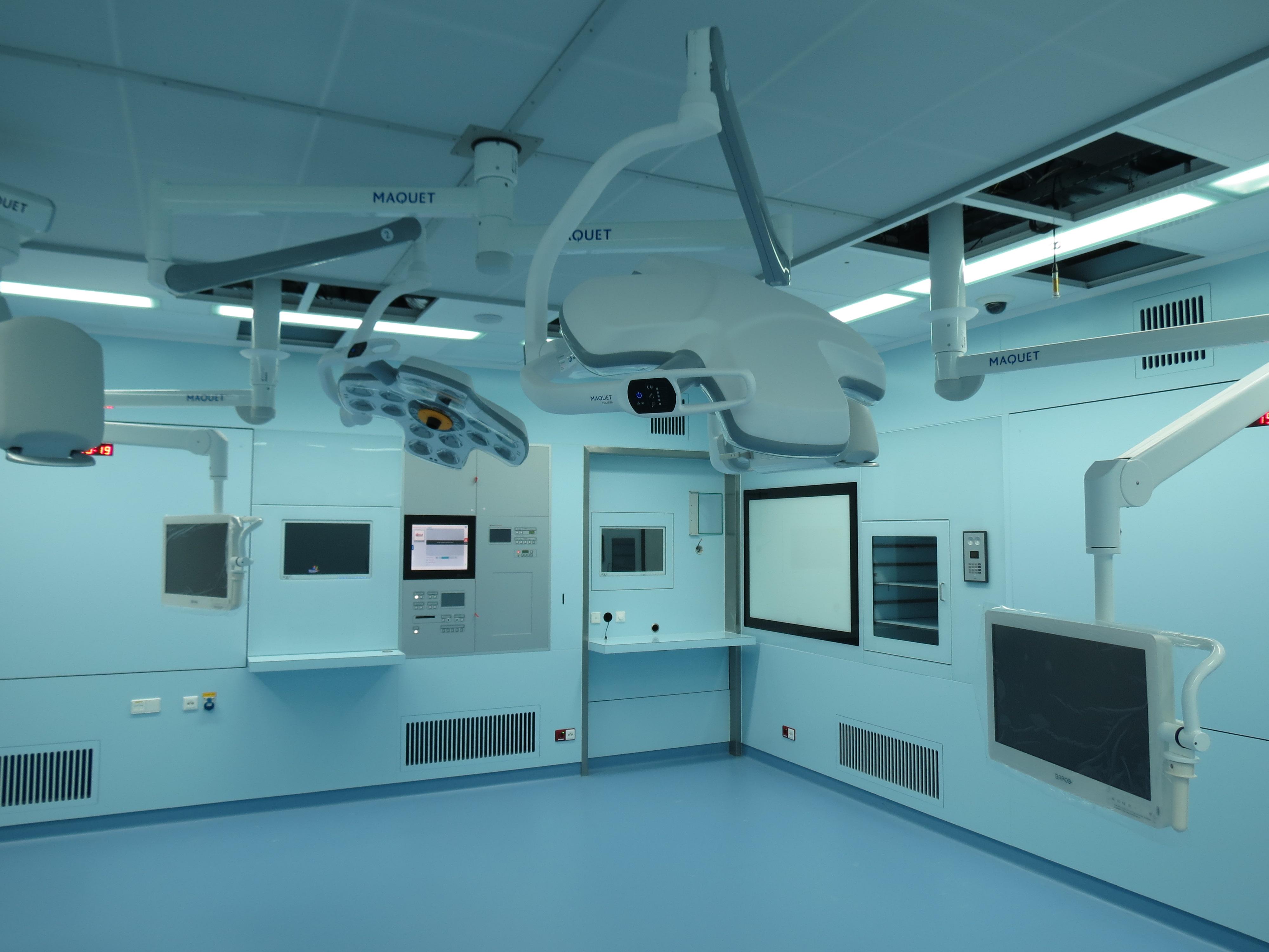 Wij bouwen en of verbouwen alle types van operatiekamers.