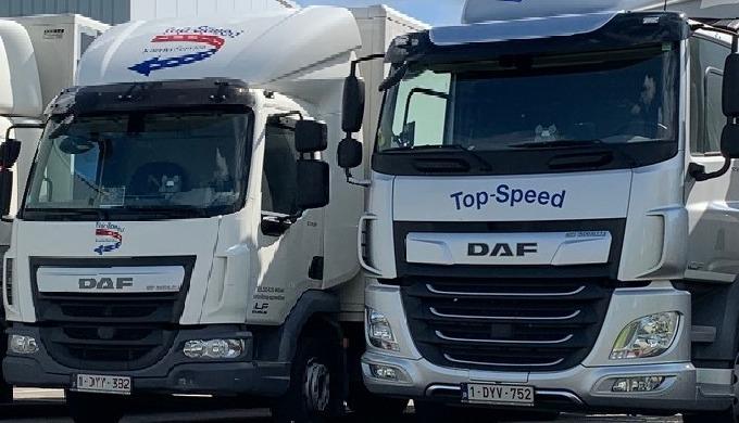 Wij verzorgen al uw transporten, gaande van een enveloppe tot een volledige vrachtwagen.