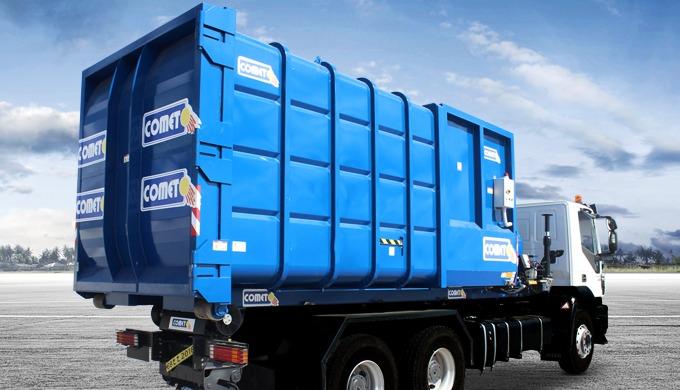 Le compacteur embarqué composé d'un compacteur monobloc et d'un polybenne-grue est spécialement conç...