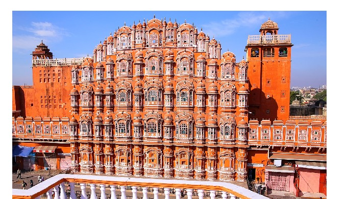 Tour Highlights Explore Amber Fort and enjoy elephant ride to reach in side Amber Fort. Visit landma...