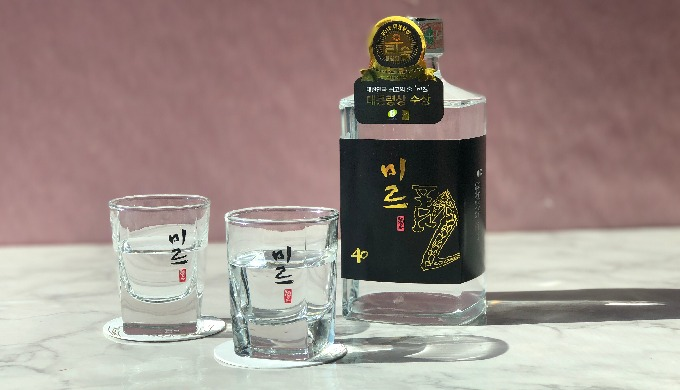 Korean Premium Soju.  Sulseam - MIR40