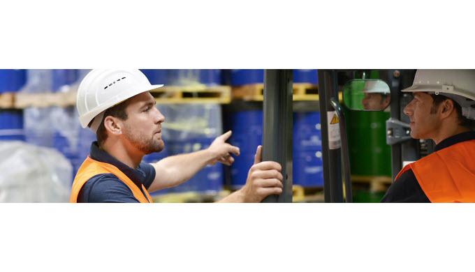 Mit mehr als 4'500 m2 Lagerfläche nach den neusten Minergiestandards richten wir Ihre Waren fürs Ble...