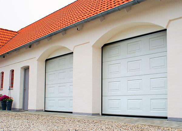 Ворота автоматические гаражные секционные Алютех