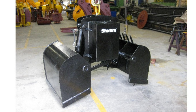 AMPHIBIOUS ELECTRO-HYDRAULIC CLAMSHELL GRABS