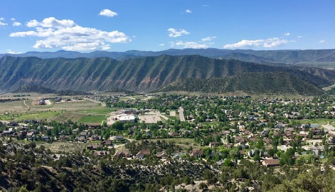 We buy houses with cash all throughout the state of Colorado from Denver to Pueblo and all the way o...