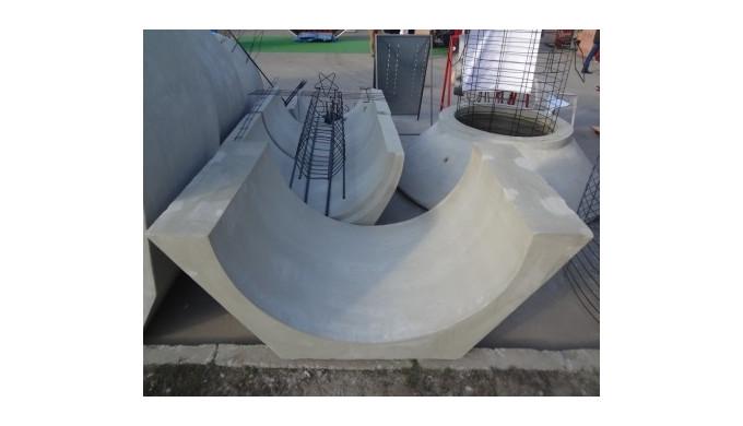 Лоток водоотводный сборный бетонный.