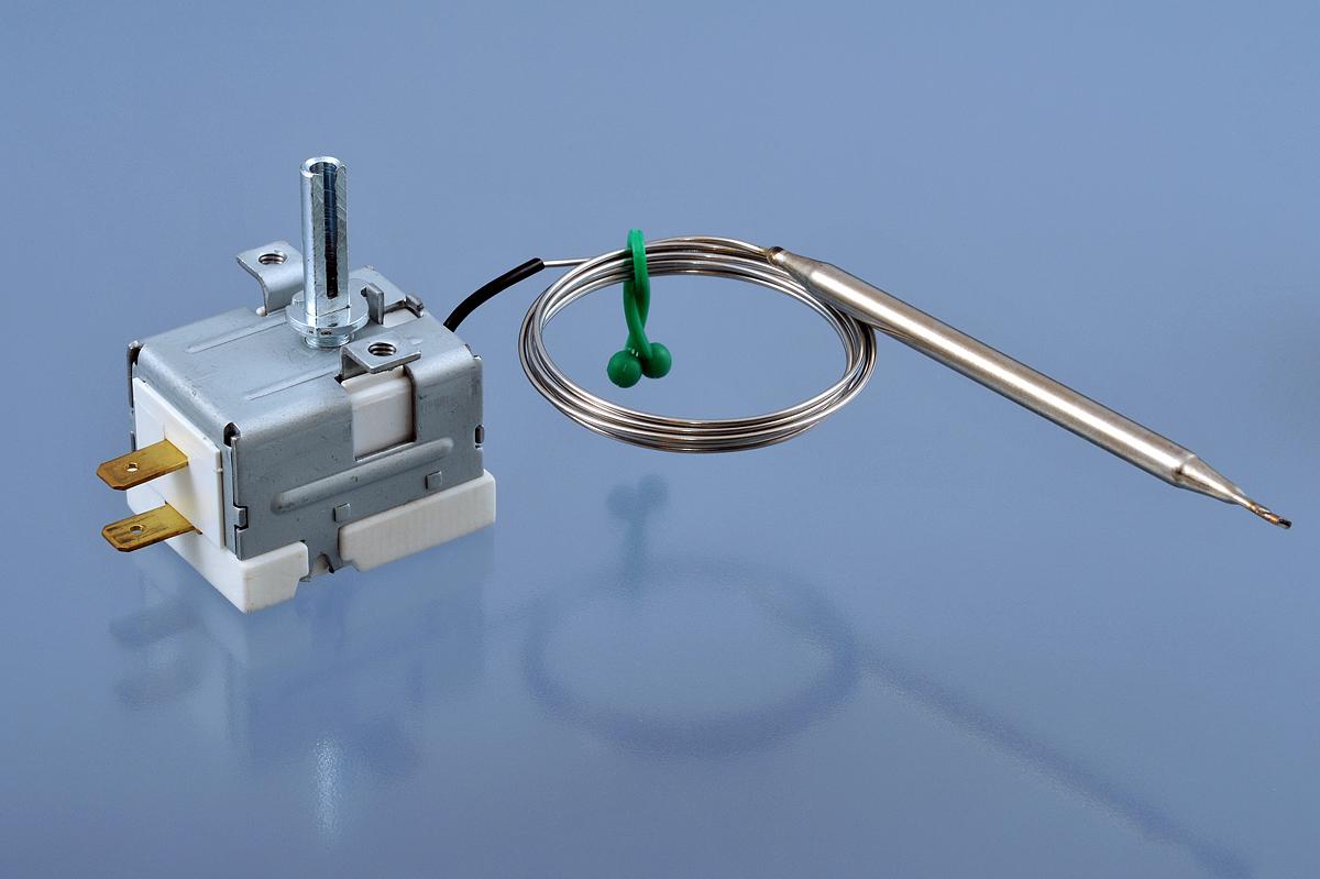 Kapilární termostaty jsou teplotně závislé, založené na principu dilatace kapaliny. Jejichž úkolem j...
