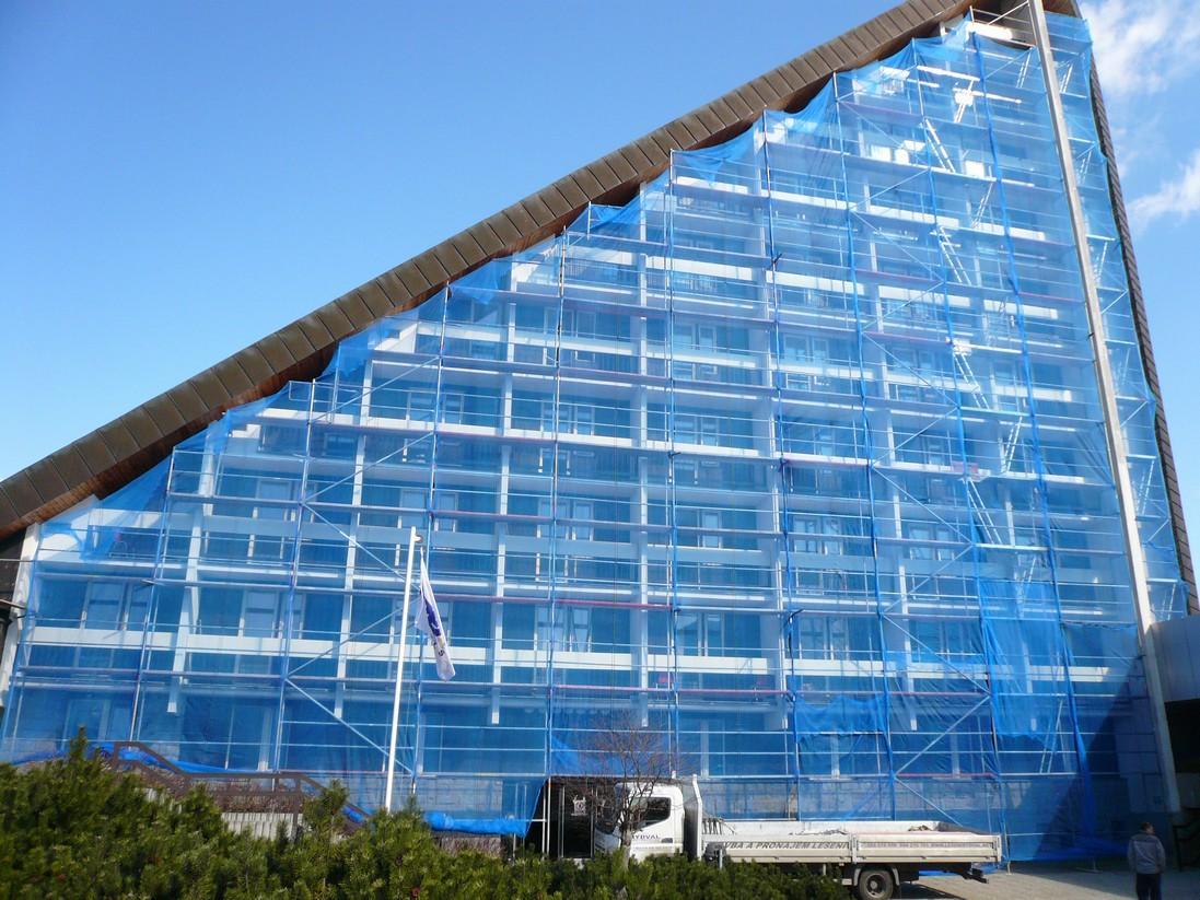 Potřebujete-li postavit lešení, kontaktujte nás. Bezprostředně vás navštíví náš stavbyvedoucí, vysvě...