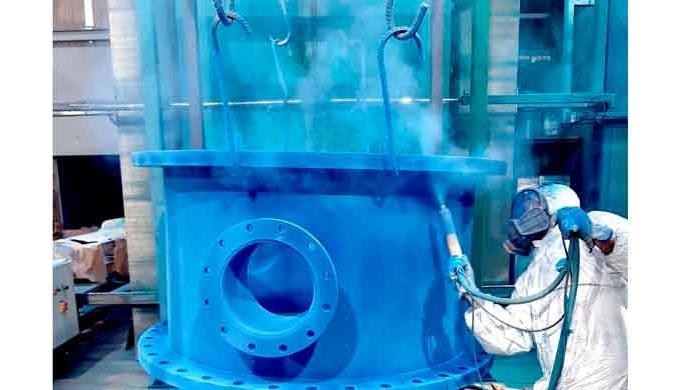 Proyecto de recubrimiento termoplástico de válvulas de grandes dimensiones en el desierto de Dubai