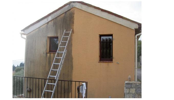 Nettoyage courant des bâtiments de la maison par produit industrielle