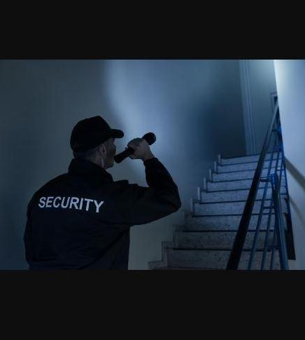 AQUILA avec son réseau de sociétés de sécurité privée propose un service de rondes de sécurité par a...
