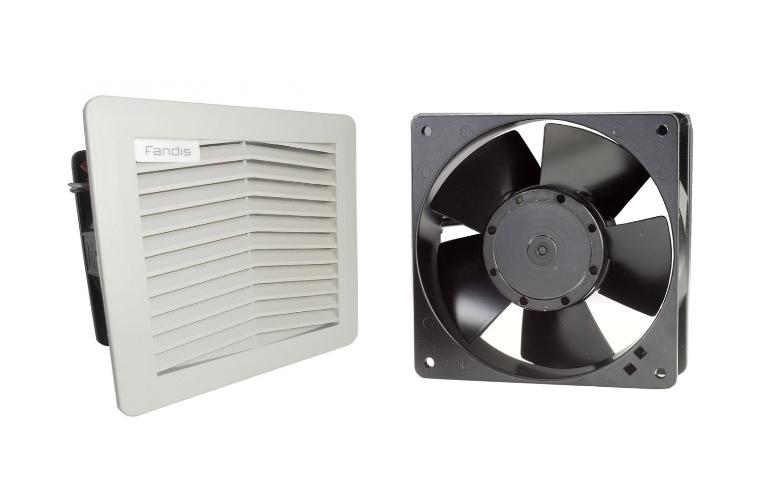 Effektiv elektronikkøling med elektronikventilatorer eller filterventilatorer. Ønskes støvfrie kabin...