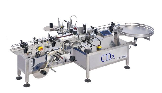 Conçue par la société CDA, la Ninon Down est une étiqueteuse automatique permettant l'étiquetage des...