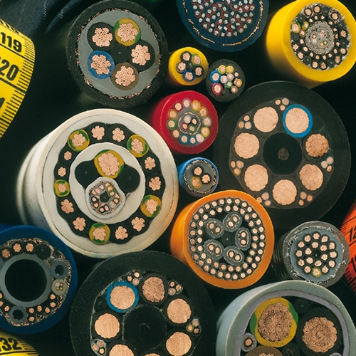 Hybridkabel kommen immer dann zum Einsatz, wenn technische Probleme mit Standard-Leitungen nicht gel...