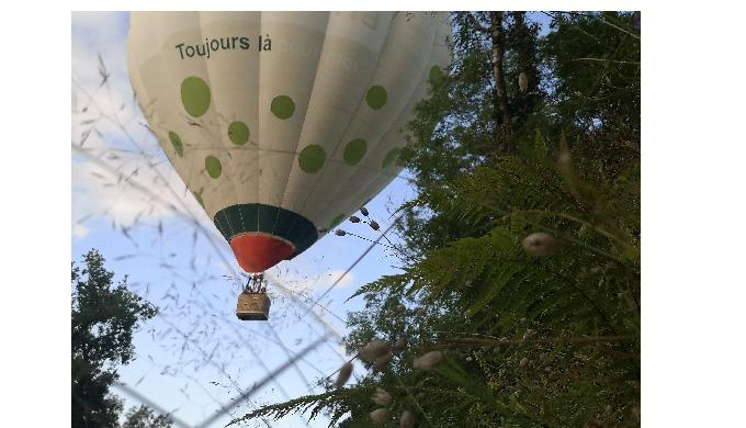 Vol découverte en montgolfière. Partagez ou offrez un vol en montgolfière. Une aventure unique et ma...