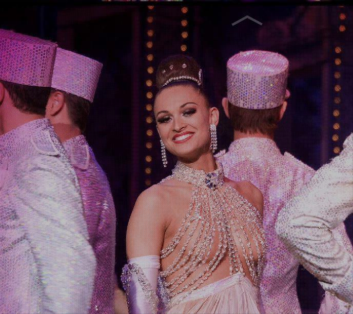 Moulin Rouge vous propose une soirée dîner spectacle VIP : Lumières, musiques, sont au rendez-vous. ...