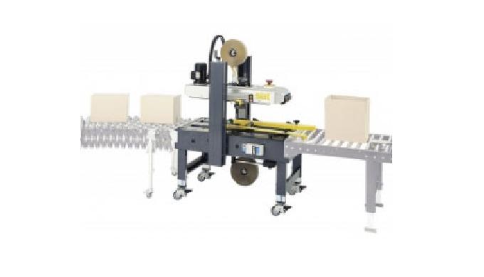 Proposée par CDA, la scotcheuse semi-automatique industrielle permet l'emballage de boîtes de toute ...