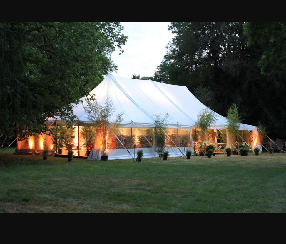 TOUAREG Rouen en Normandie, vous propose un large choix de tentes Bambou pour réception de mariage à...