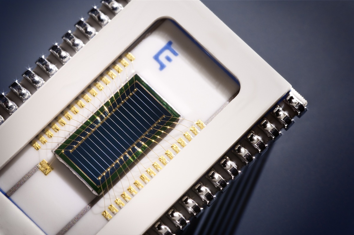 The PSD array consists of 16 parallel one-dimensional PSD elements on the same chip. By utilizing th...