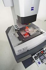 Dernière entrée : machine de mesure optique ZEISS 0-Inspect 322 avec système de palpage