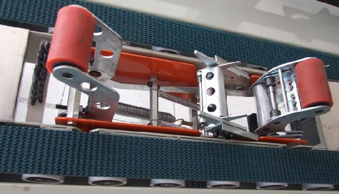 Rough top PVC conveyor belt for packaging machines