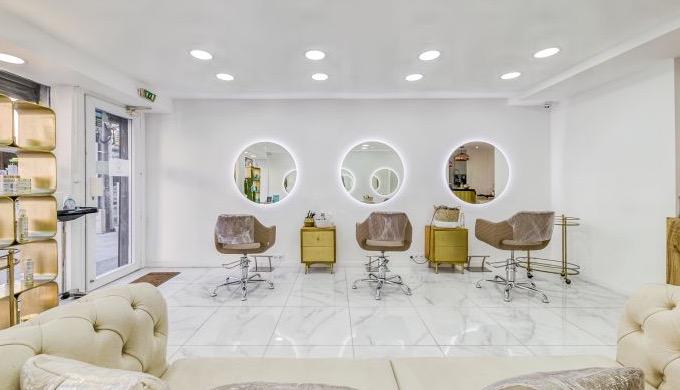 Waffa B Cosmetics, l'académie du lissage brésilien Waffa B Cosmetics forme les professionnels aux te...