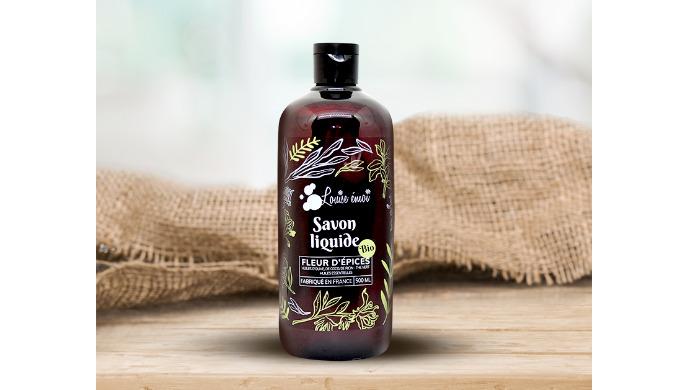 Le savon liquide concentré « Fleur d'Épices » nettoie votre peau tout en douceur, et vous enveloppe ...