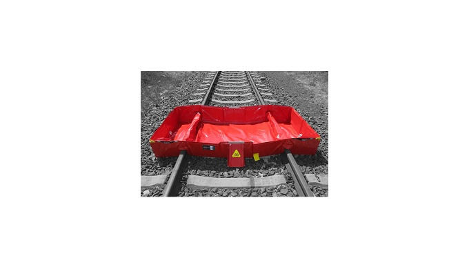 Eccotarp collapsible railway bund