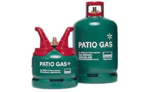 The Calor Patiogas 13kg Propane bottle is ideal for patio heaters and gas barbecues with 4 burners o...