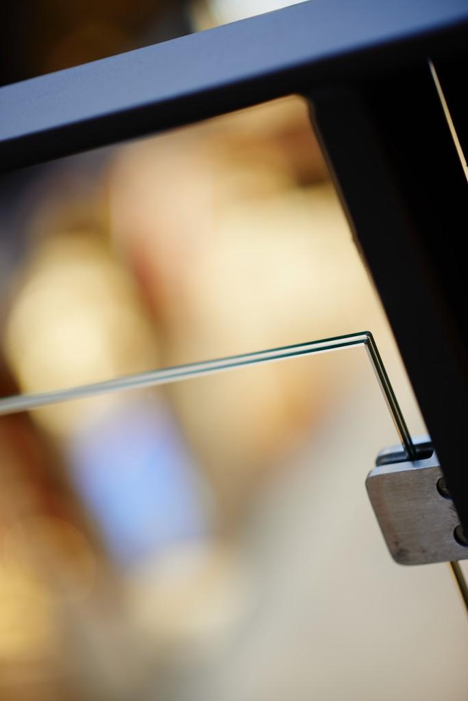 Laminerat - ett glas som inte faller i bitar Behovet av större och större glasskivor inom bygg- och ...