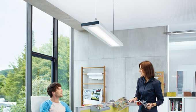 Corpo chiuso dell'apparecchio con coperturaQuota diretta con tecnologia Edgelight e Lightguide per u...