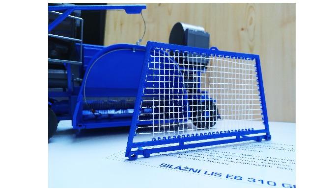 Kompletní maketa silážního lisu pro firmu Eurobaging. Maketa bude sloužit k zjednodušení prezentace ...