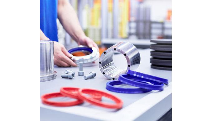 Klemmen von Maschinen- und Anlagenteilen Feststelleinheiten werden überwiegend als funktionelle Klem...